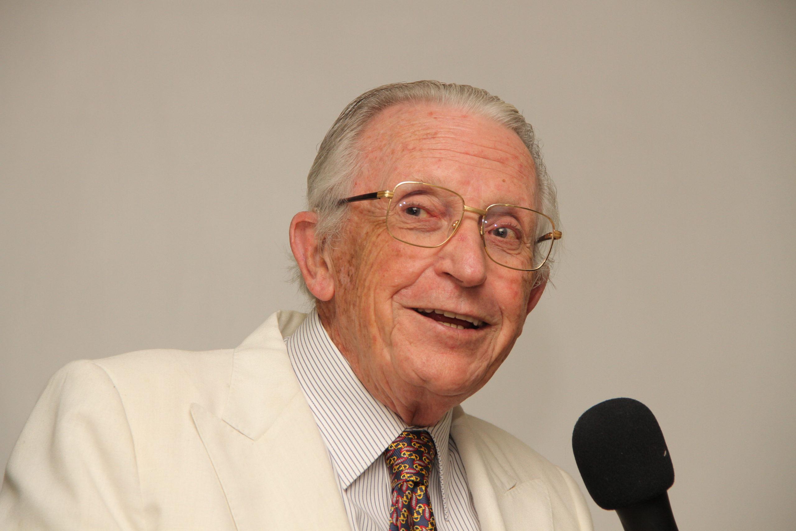 Ricordo di Eugenio Federico Candegabe, maestro dell'omeopatia internazionale.